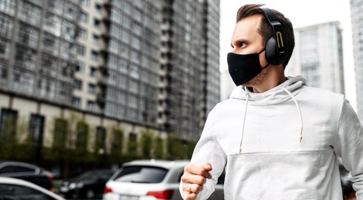 bieganie jogging sport maska koronawirus 1200.jpg
