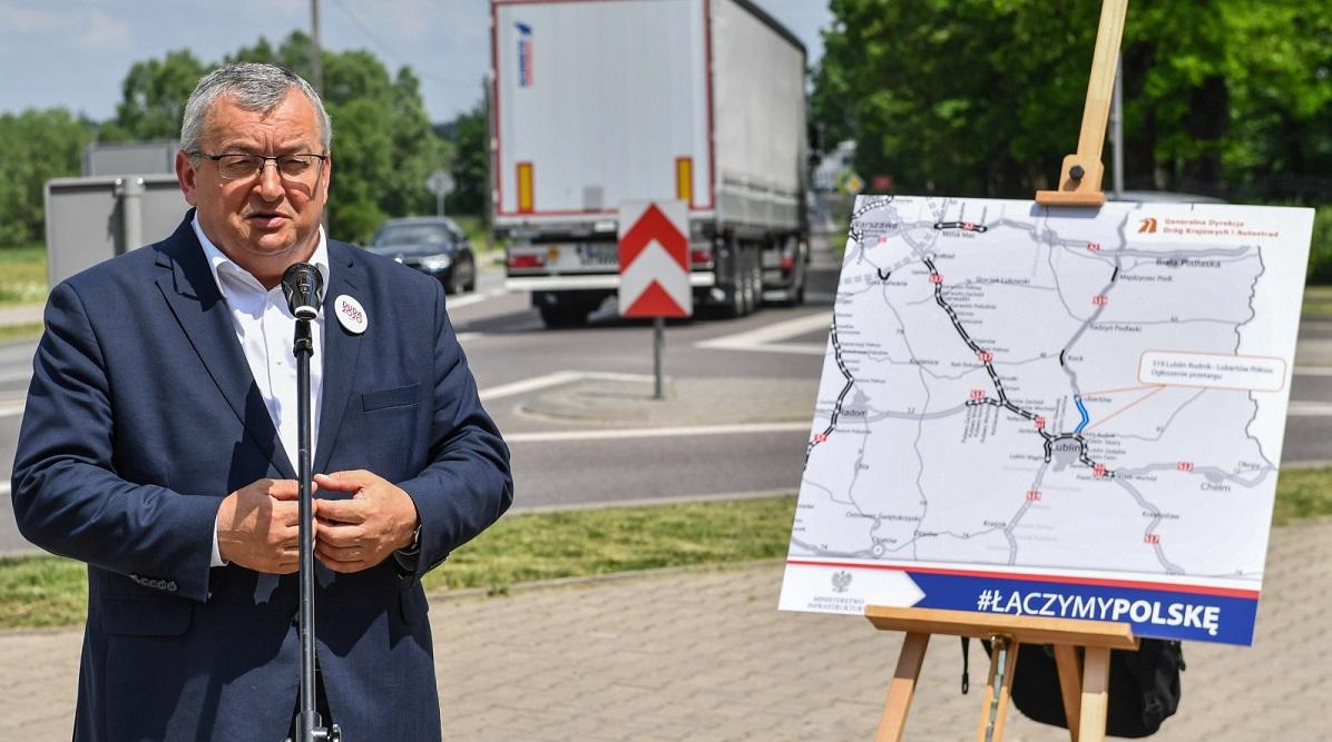 Infrastructure Minister Andrzej Adamczyk