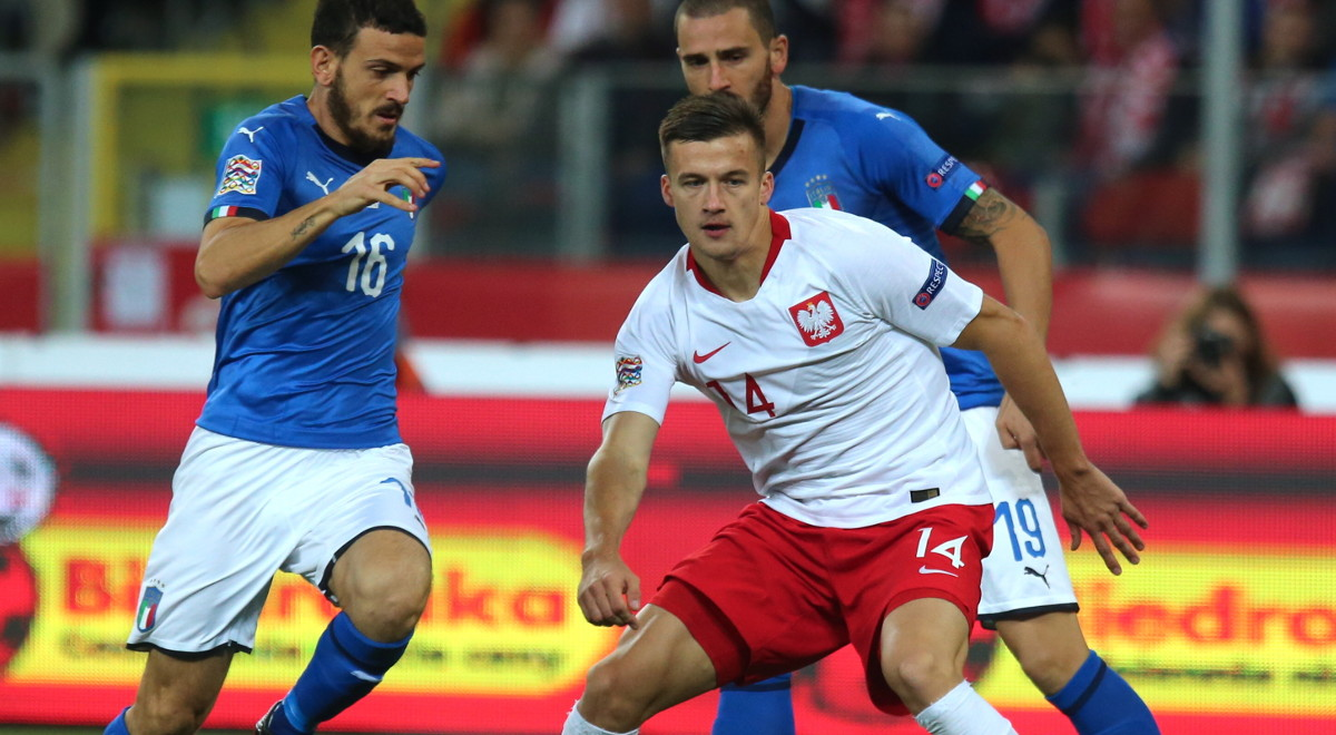 e9cd79b70 Arkadiusz Reca nie zachwycił grając na lewej obronie w reprezentacji Polski
