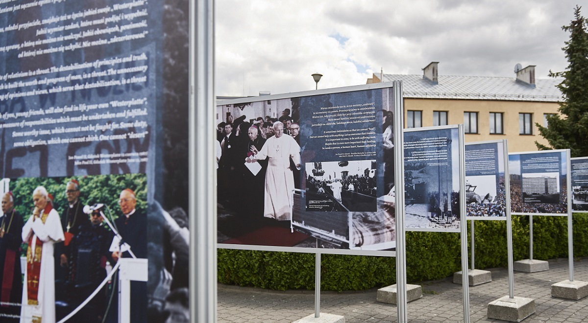 An open-air exhibition in the Polish Baltic port city of Gdańsk marks the 100th anniversary of the birth of St. Pope John Paul II.