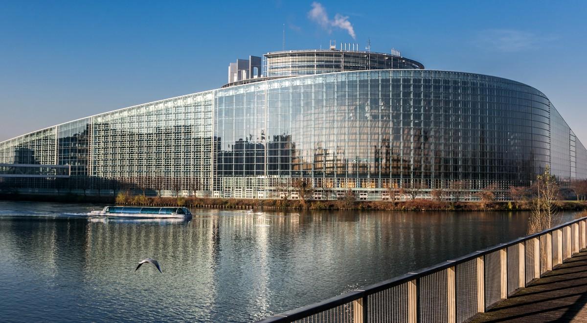 shutterstock_ parlament europejski europarlament strasburg 1200 .jpg