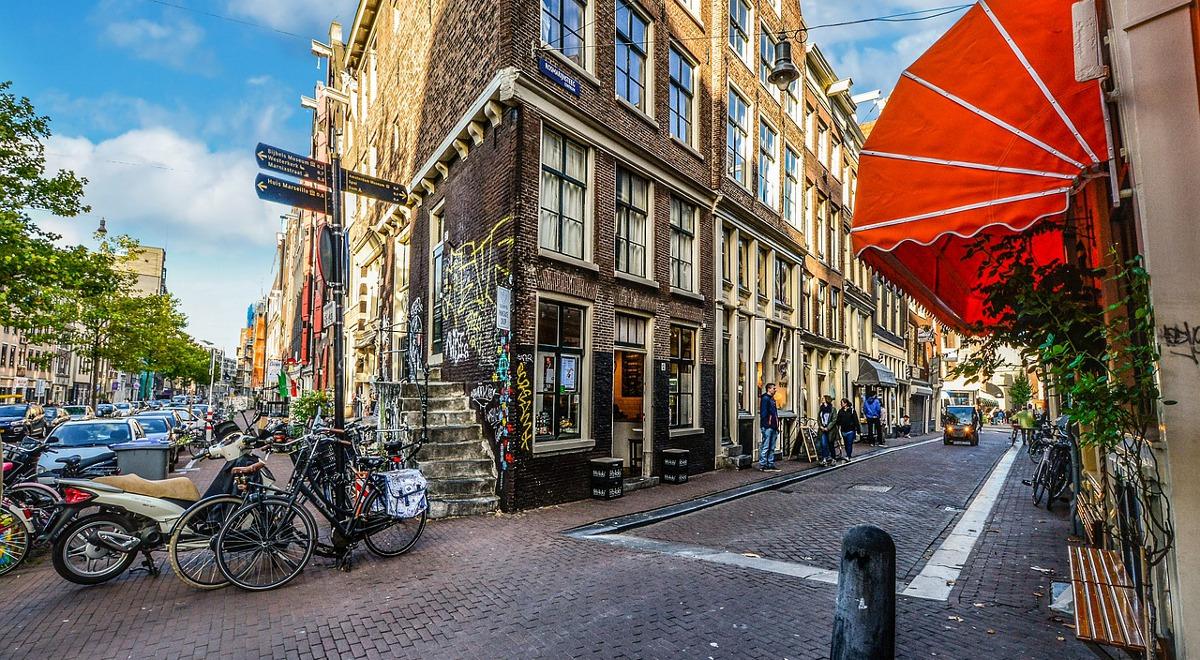 amsterdam pixabay user32212 1200.jpg