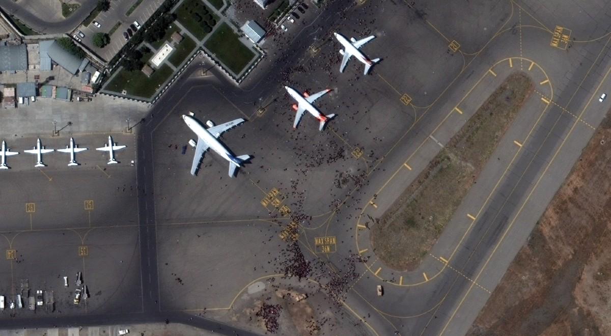 Afganistan lotnisko pap 1200 (1).jpg