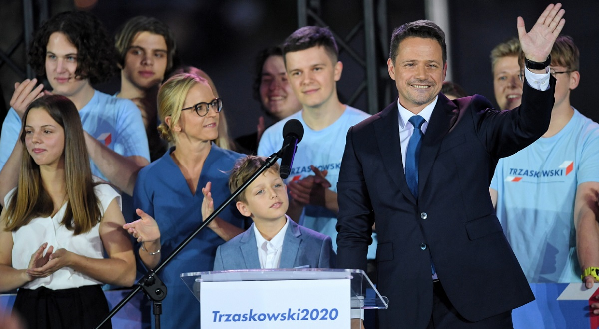 Rafał Trzaskowski with family on election night. Photo: PAP/Radek Pietruszka