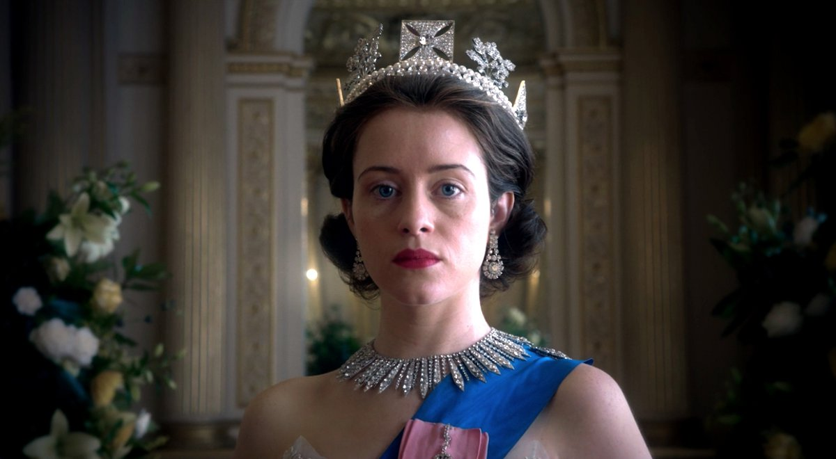 Claire Foy na planie serialu The Crown