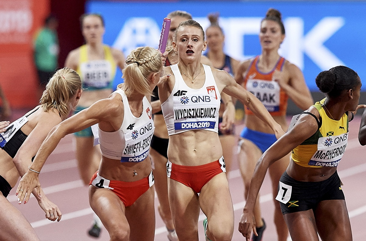 The Polish women's 4x400 metres relay team in action during the 2019 World Athletics Championships in Doha, Qatar. Photo: PAP/Adam Warżawa
