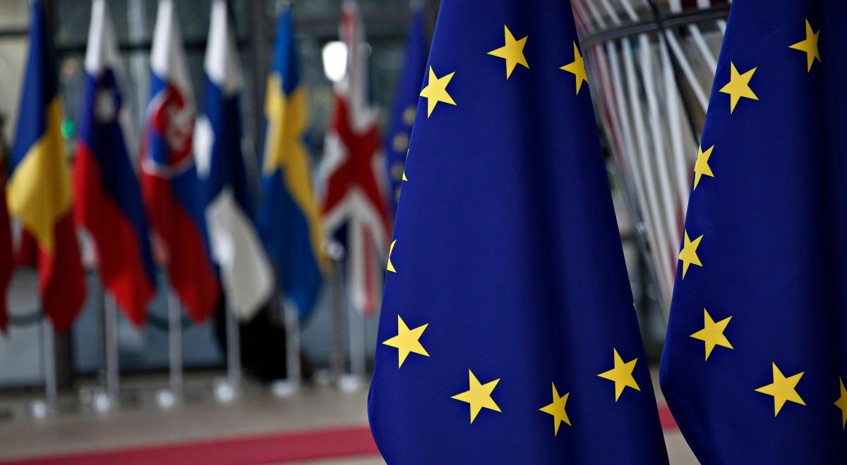 Unia Europejska free shutt-1200.jpg