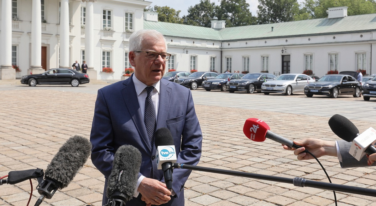 Polish Foreign Minister Jacek Czaputowicz briefs reporters in Warsaw on Monday.