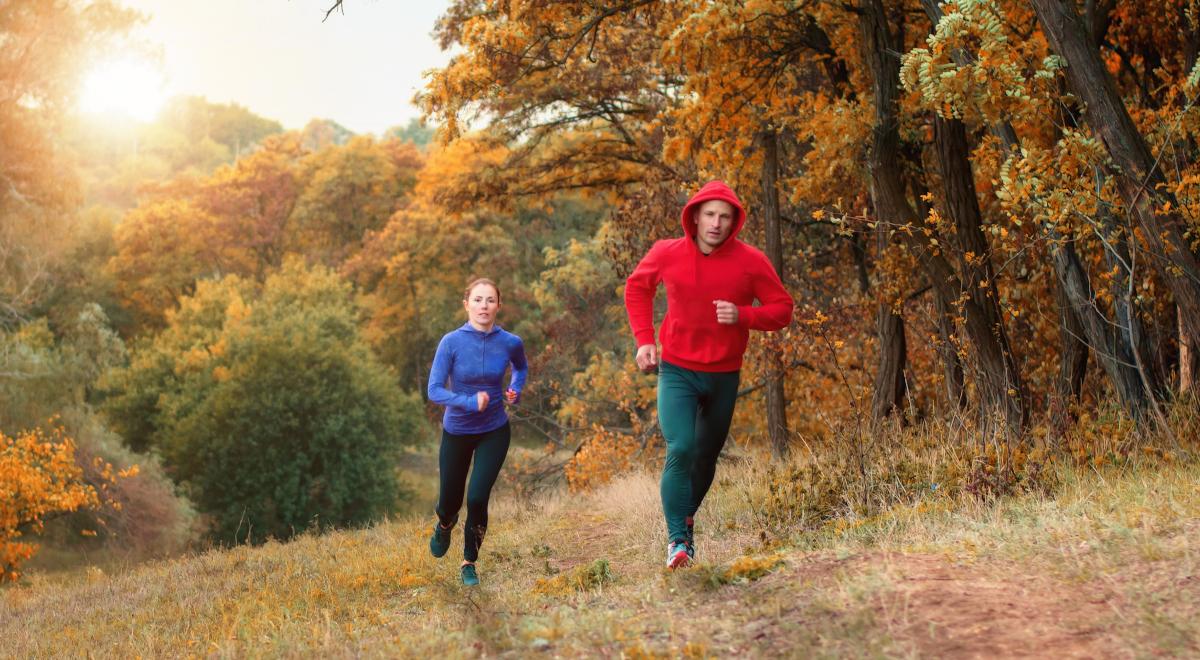 bieganie jesień para trening sport 1200.jpg