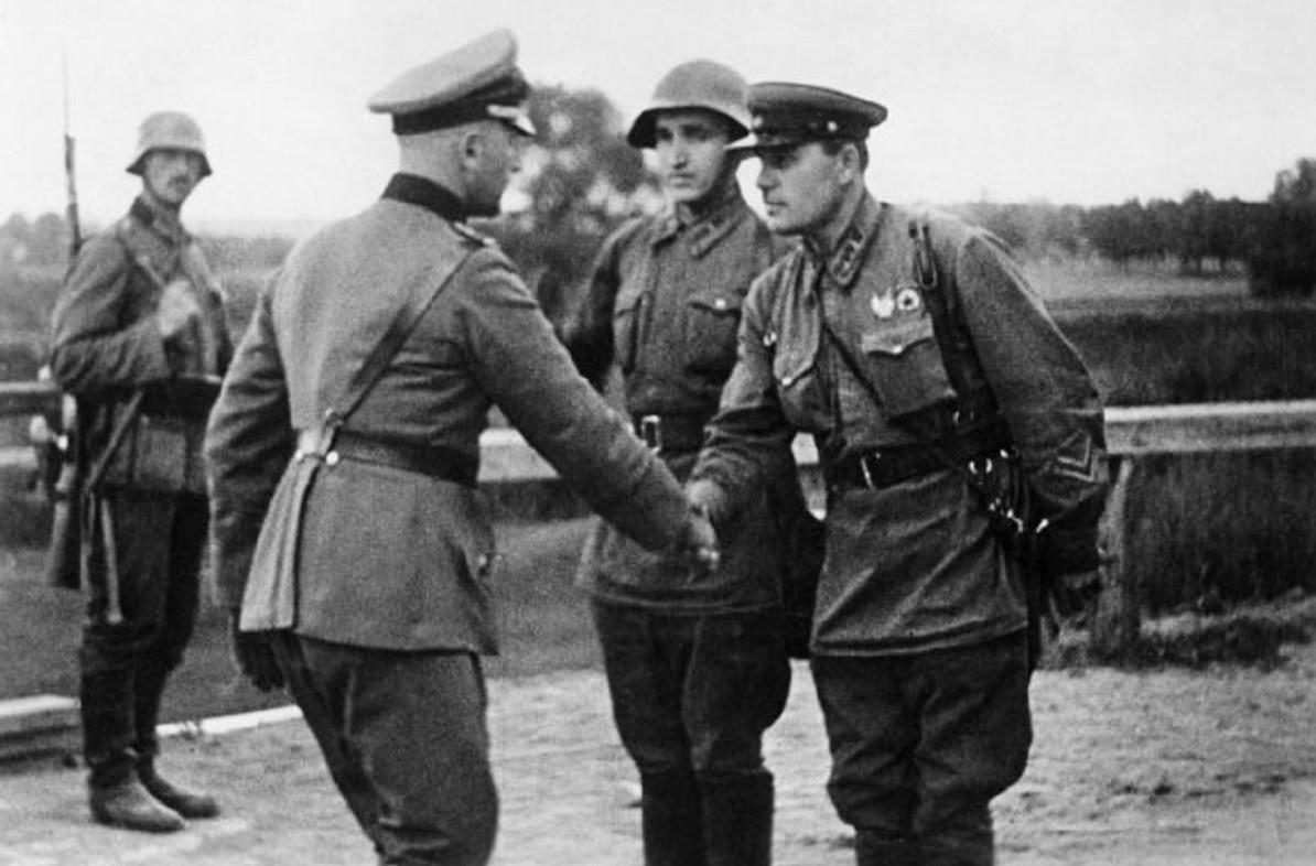 ( 1939 )