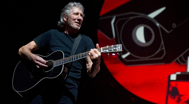 Roger Waters podczas koncertu-widowiska The Wall Live