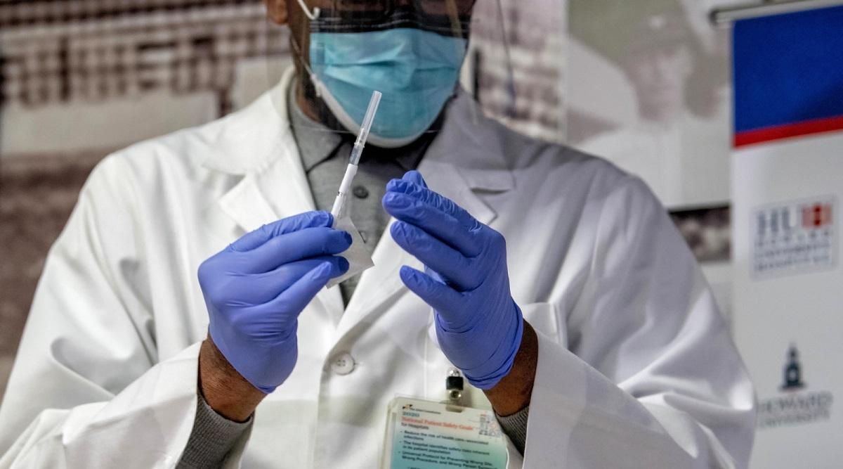 Правительство Польши создаст базу вакцинированных. Они не будут подвергаться ограничениям