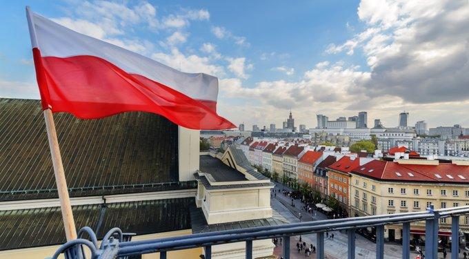 Flaga Polski ok.jpg