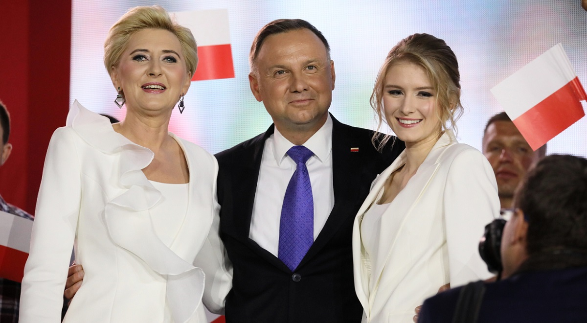Andrzej Duda (centre) with wife Agata (left) and daughter Kinga (right). Photo: PAP/Leszek Szymański