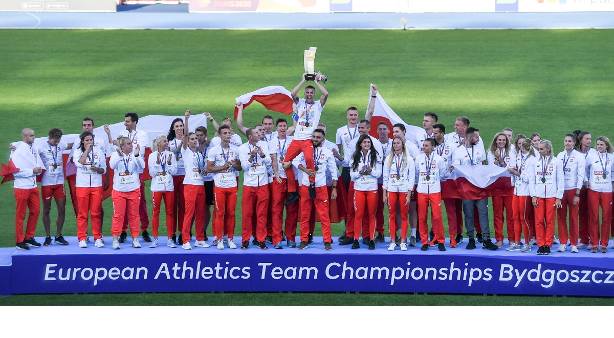 Polish track-and-fielders celebrate winning the European Athletics Team Championships on Sunday.