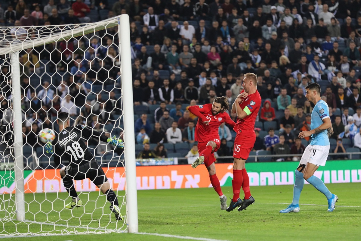 Grzegorz Krychowiak scores the 1-0 lead for Poland against Israel in the 4th minute of their Euro 2020 qualifier at Teddy Stadium in Jerusalem on Saturday. Photo: EPA/ABIR SULTAN