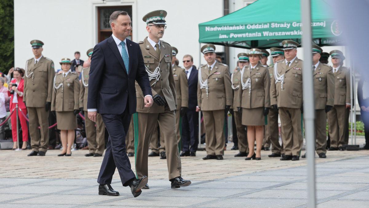 Prezydent RP Andrzej Duda i komendant główny Straży Granicznej generał brygady Tomasz Praga