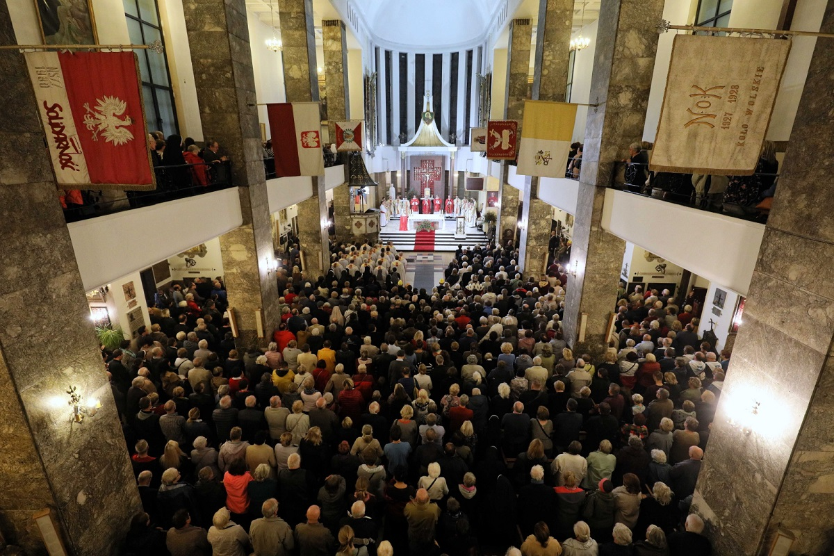 A religious service for the slain priest at a Warsaw church on Saturday, with prayers for him to be declared a saint.