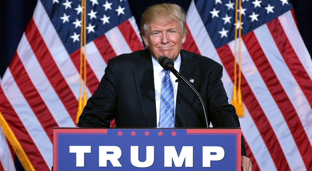 Donald Trump podczas spotkania z wyborcami.