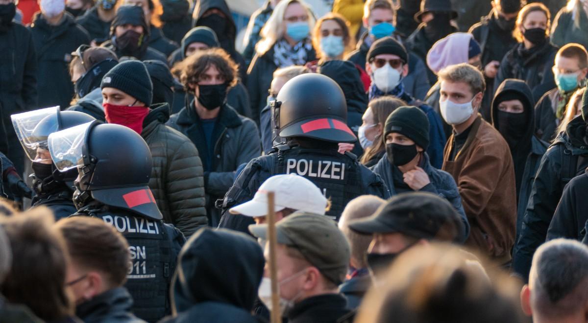 niemcy protest w niemczech free shutt 1200 .jpg