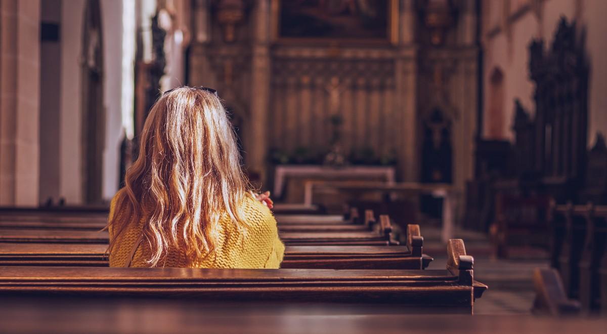 shutterstock free młodzież kościół 1200.jpg