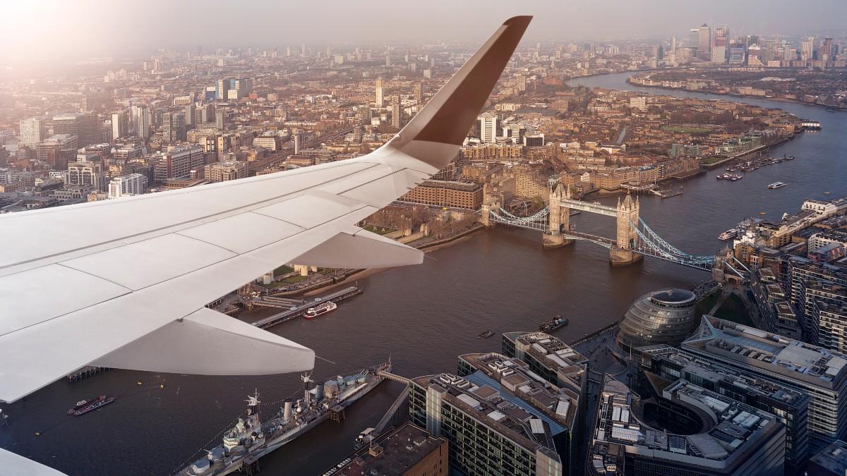 Vuelo Londres Shutterstock_1075100660 1200.jpg