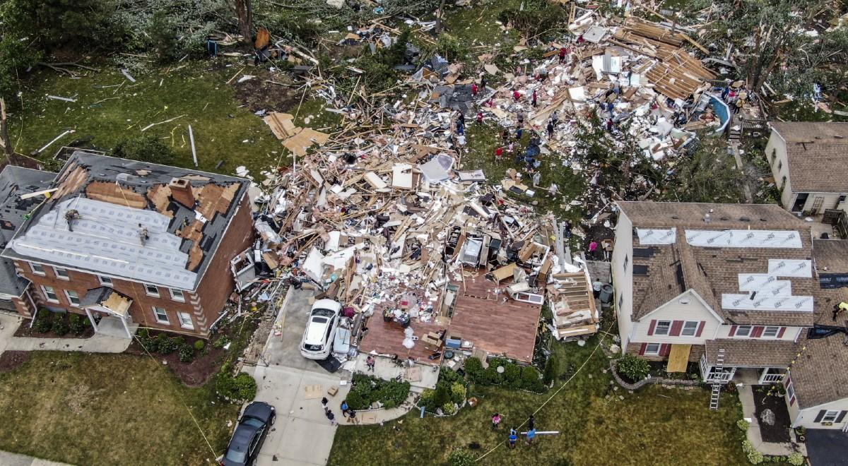 tornado illinois pap 1200 .jpg