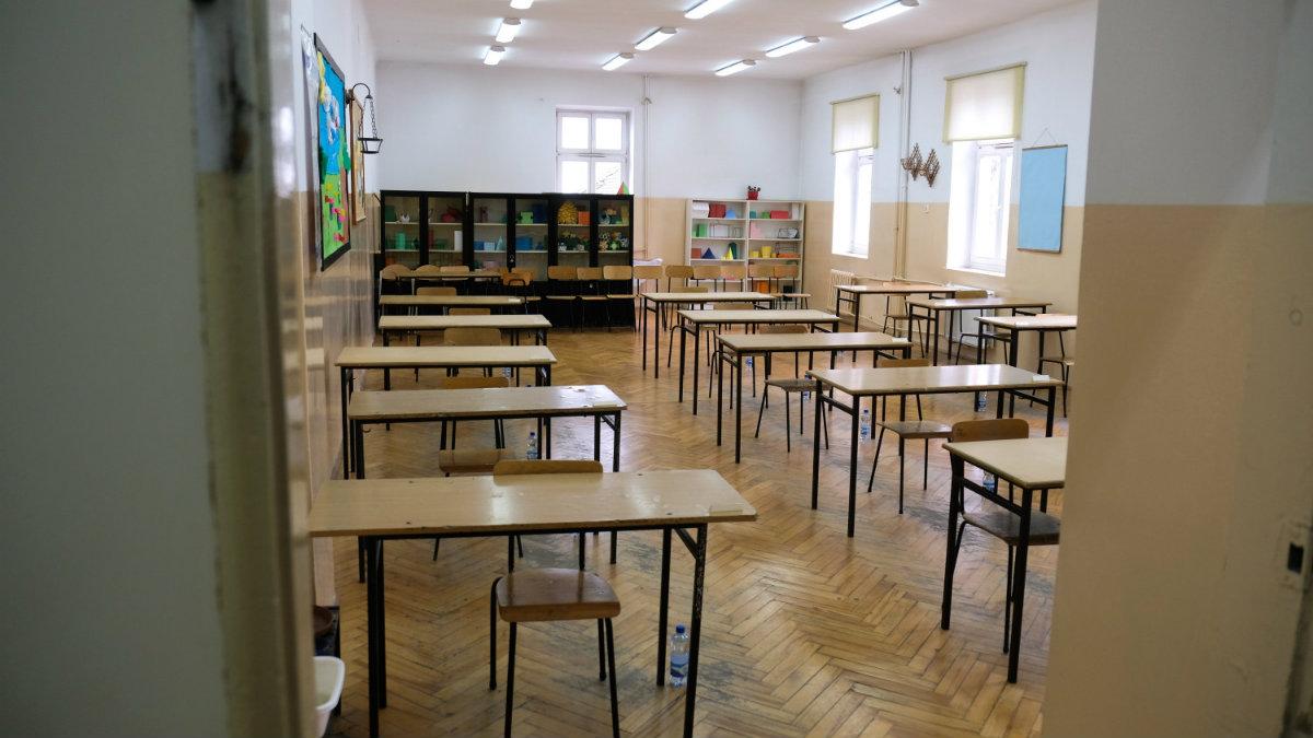 szkoła EN_01371778_0064 1200.jpg