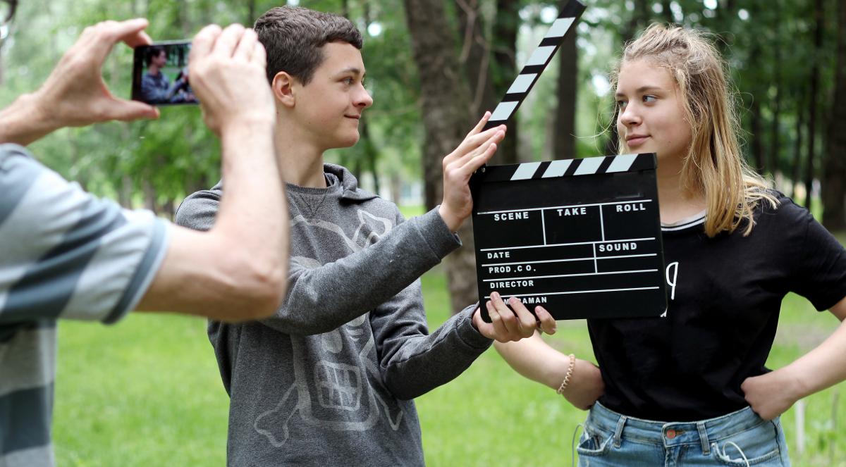 nastolatkowie uczniowie film reżyseria 1200.jpg