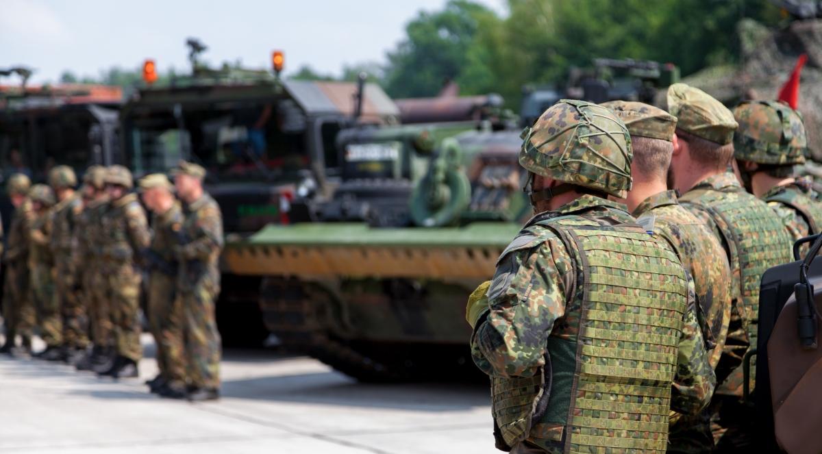 bundeswehra wojsko 1200 shutt.jpg