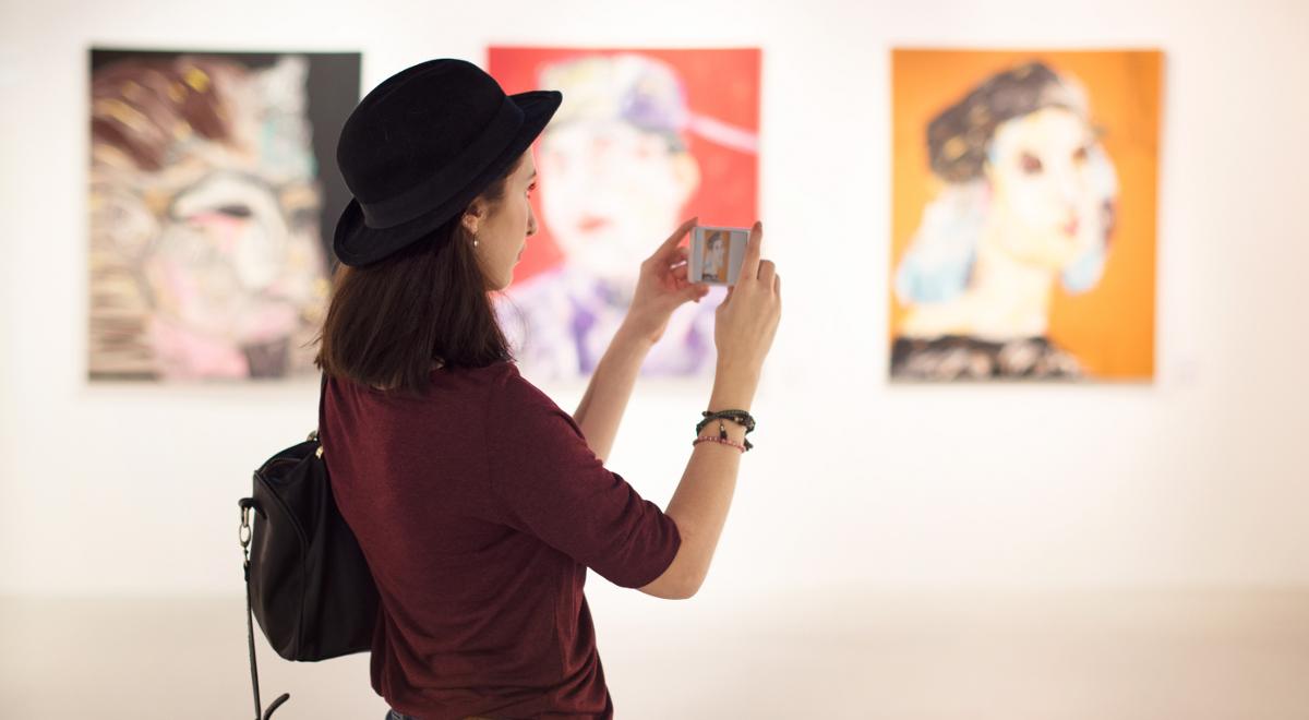 sztuka galeria wystawa 1200.jpg