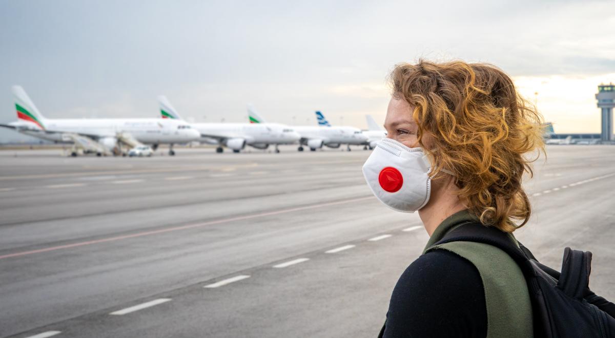lotnisko koronawirus pandemia samolot podróż 1200.jpg