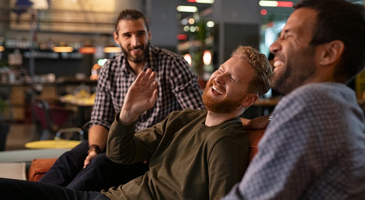 przyjaciele spotkanie przyjaźn mężczyźni shutter 1200 Rido.jpg