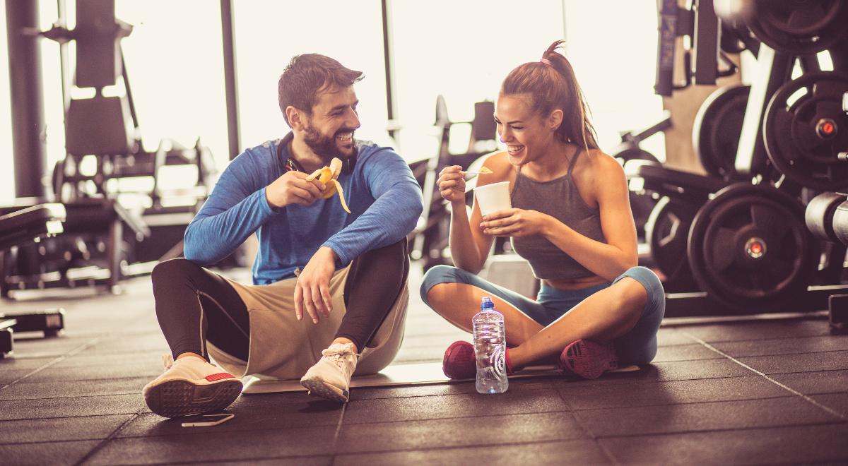 siłownia ćwiczenia jedzenie dieta 1200 shutterstock.jpg