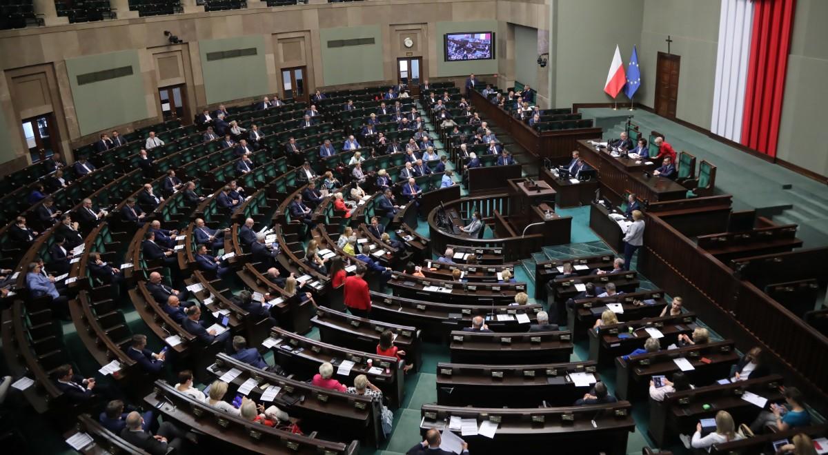 PAP Sejm sala plenarna 1200.jpg