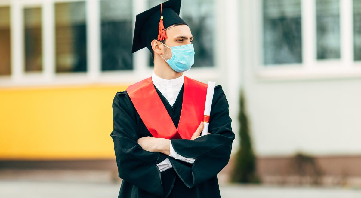 shutterstock_matura student nauka koronawirus maska 1200.jpg