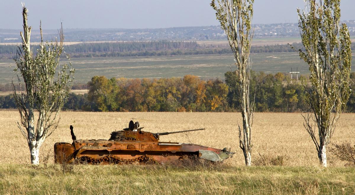 donbas free 1200 wojsko czołgi.jpg