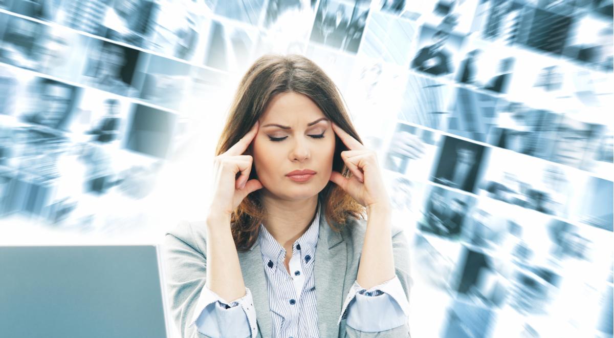 szum informacyjny nadmiar informacji stres shutter 1200  Maksim Shmeljov.jpg