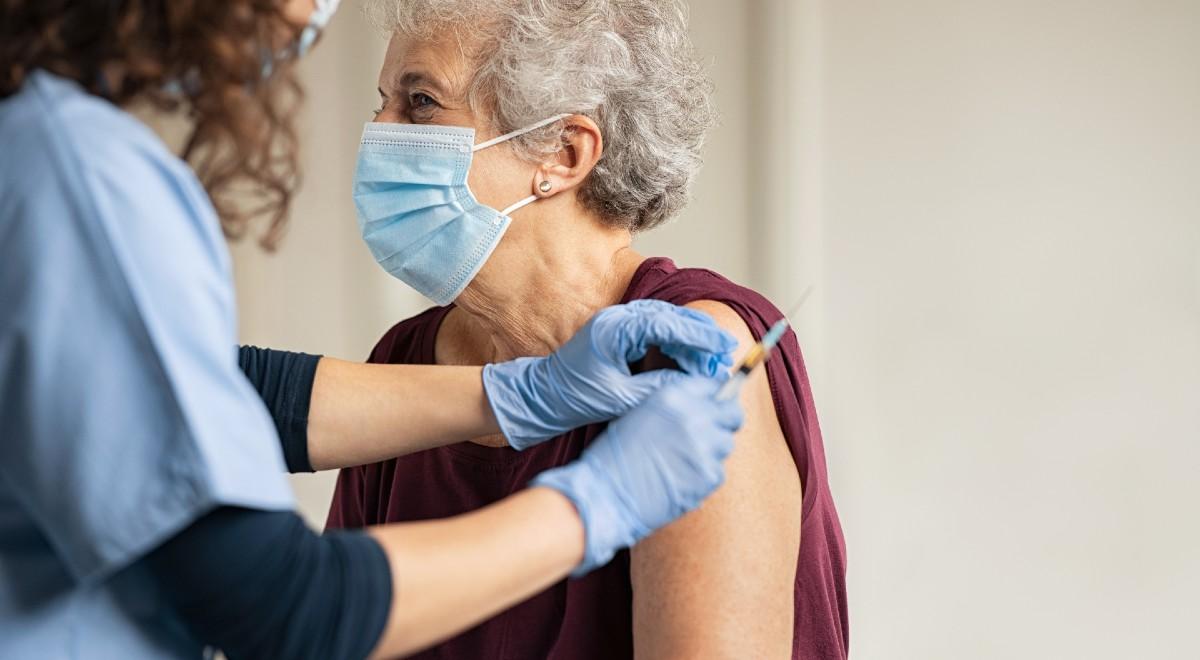 szczepienie szczepionka free shutt 1200 .jpg