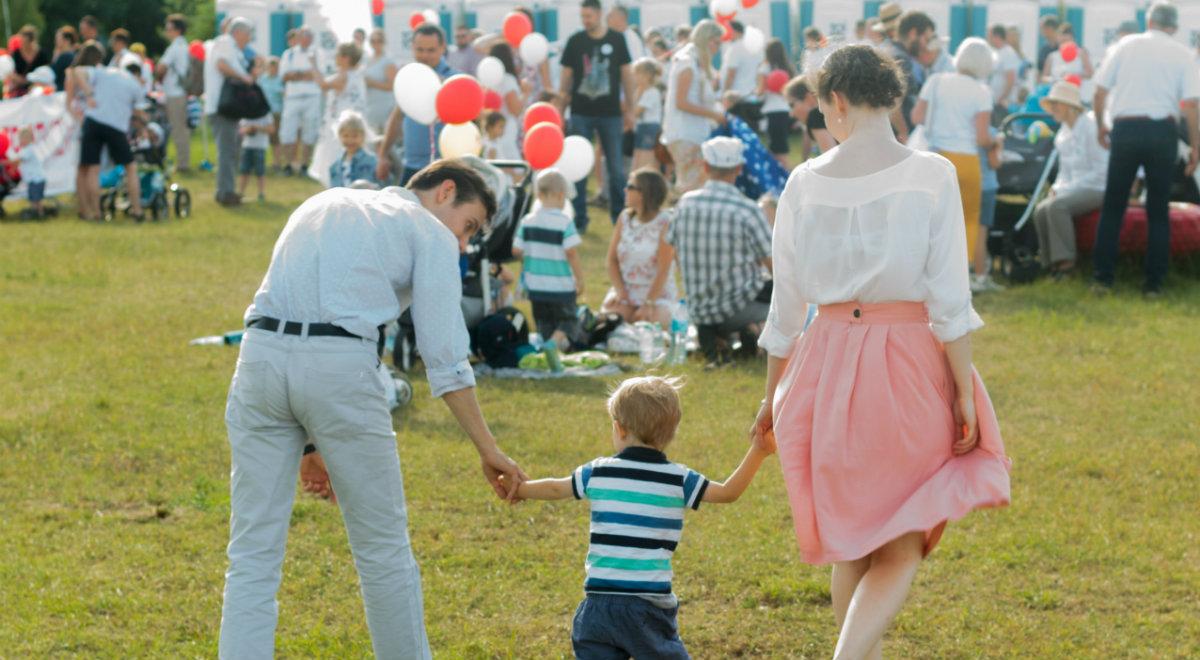 W marszu szły rodziny z dziećmi