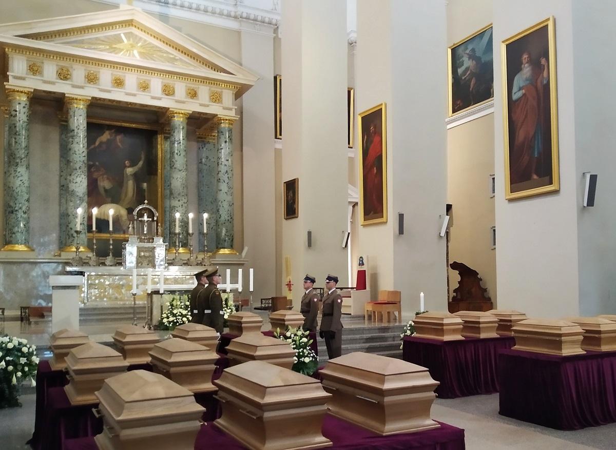 Вильнюс, 22 ноября 2019 г. Церемония прощания с участниками восстания 1863-1864 годов в кафедральном костеле.