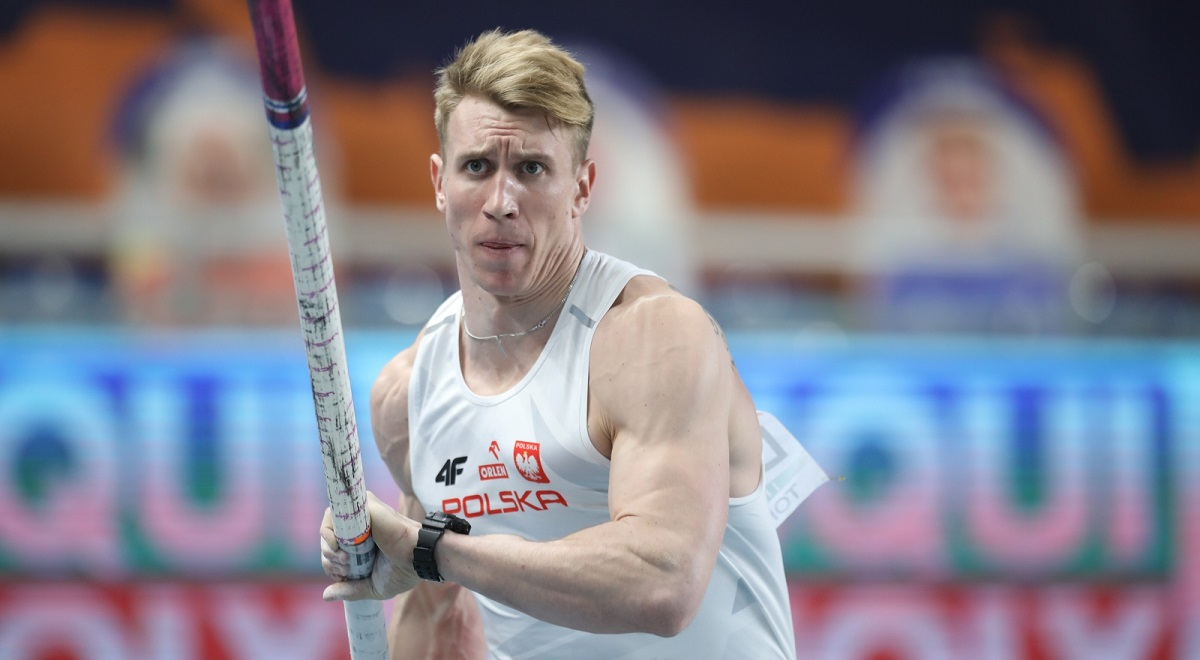 Poland's Piotr Lisek in action during the men's pole vault at the 2021 European Athletics Indoor Championships in Toruń on Sunday.