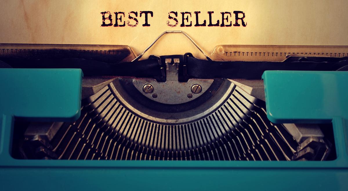shutterstock książka bestseller poezja maszyna do pisania nito 1200.jpg