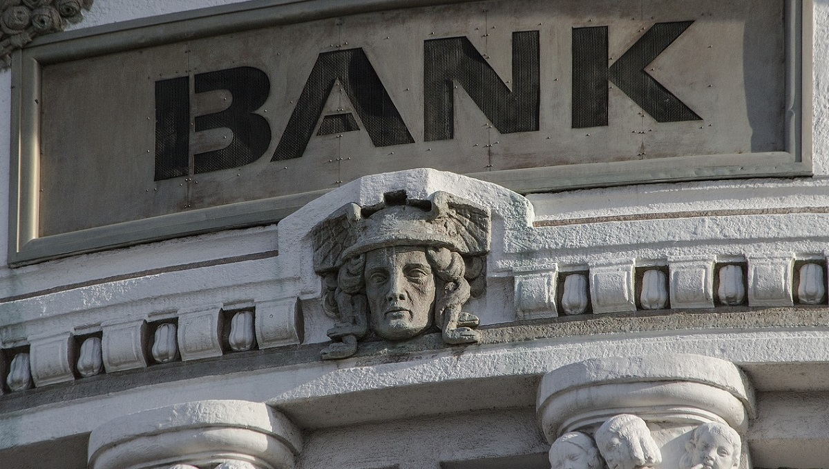 bank Image by Jakub Orisek from Pixabay.jpg