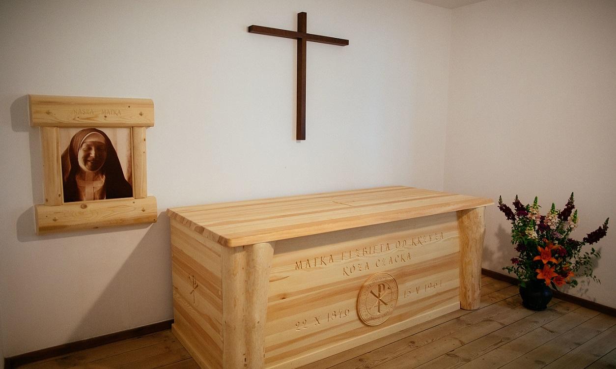 sarkofag 1200.jpg