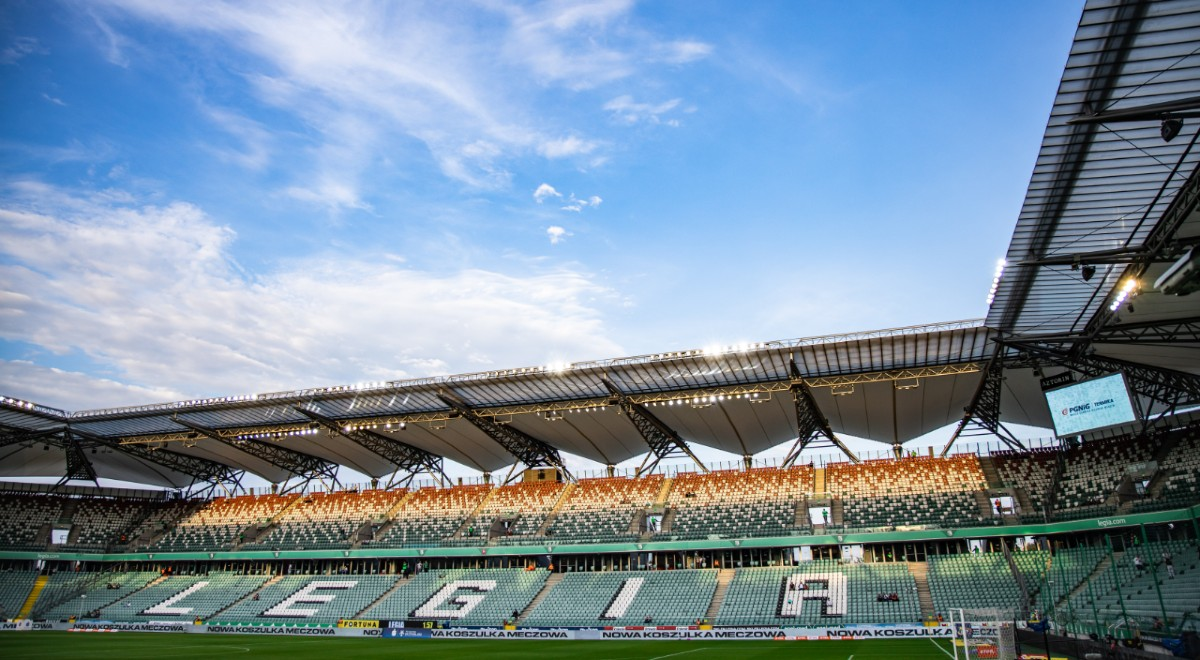 Shutterstock stadion Legia 1200F.jpg