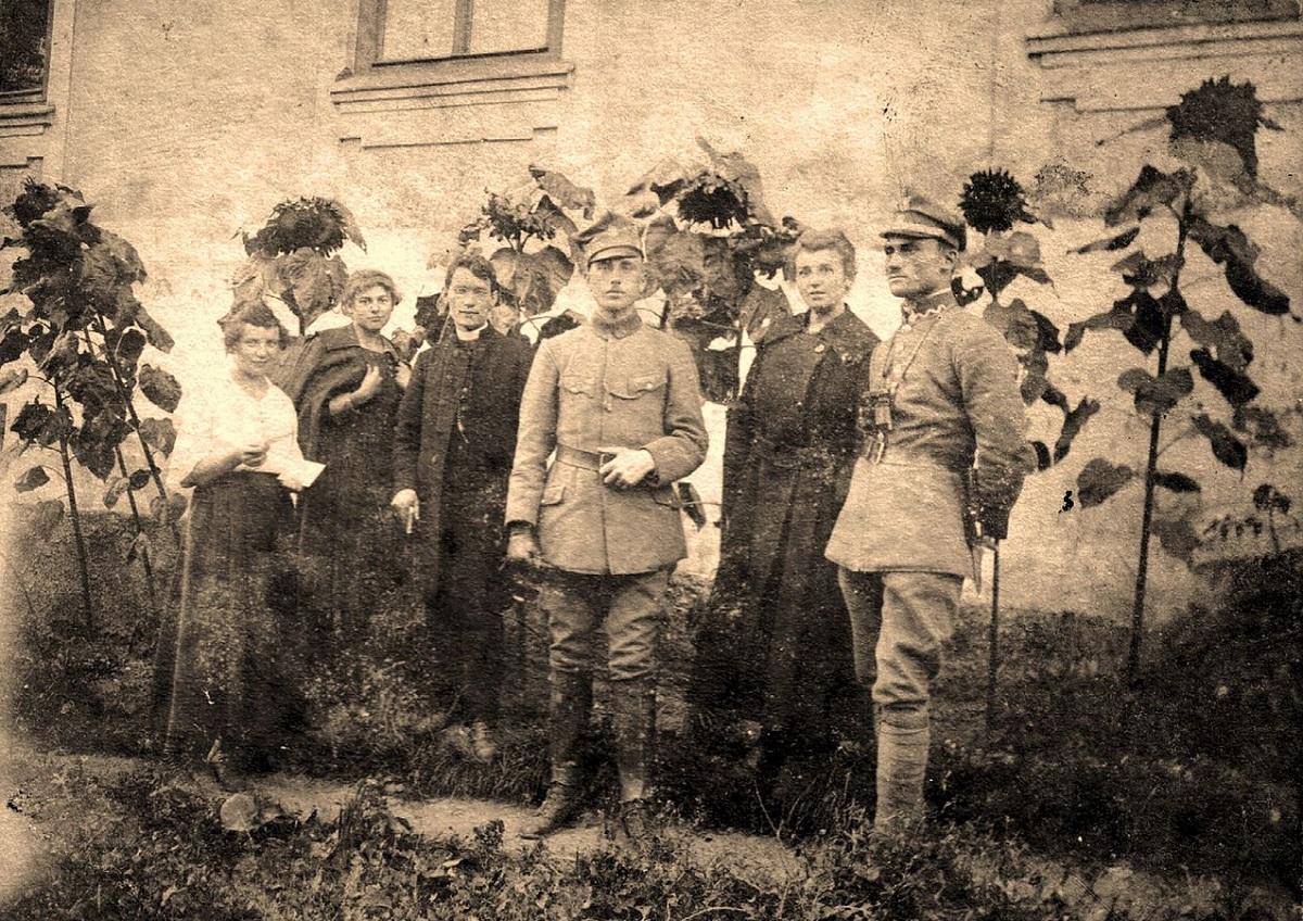 I  .  1919 .