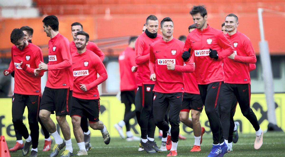 1099a886d Piłkarze reprezentacji Polski podczas treningu przed inauguracyjnym meczem  eliminacji mistrzostw Europy 2020 z Austrią