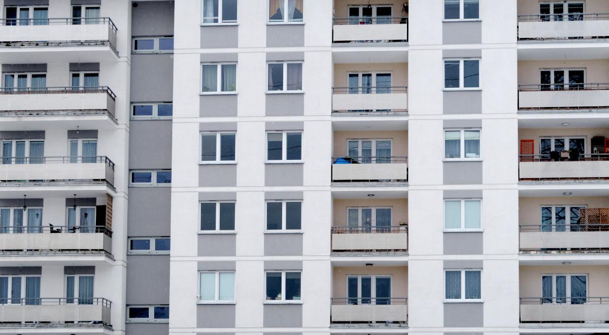 bloki mieszkania nieruchomości 1200.jpg
