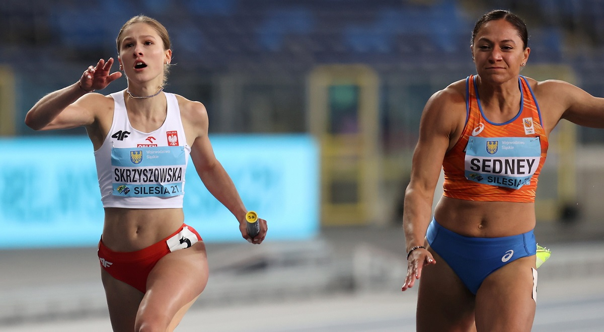 Poland's Pia Skrzyszowska competes during the women's 4x100 m final at the World Athletics Relays in Chorzów on Sunday.